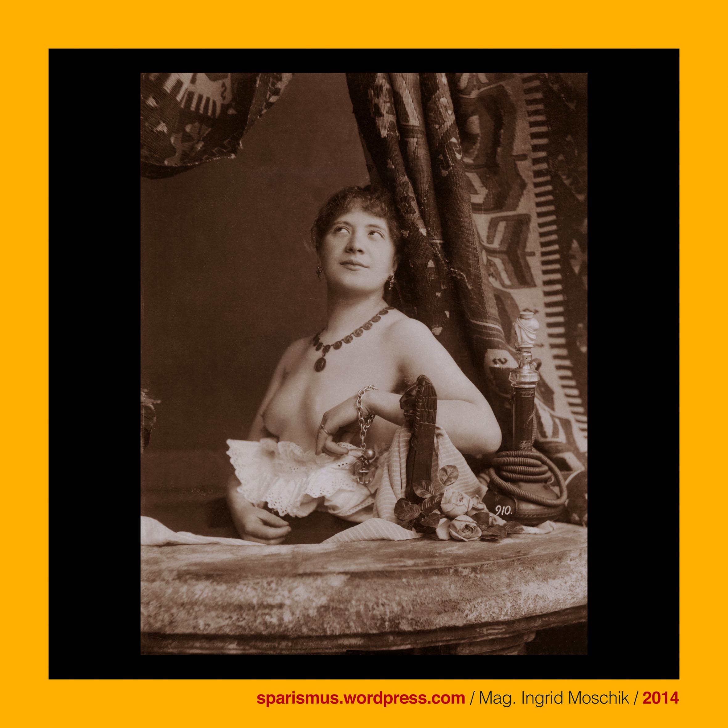 Otto Schmidt schmucke Wiener Julia um 1900 unter Kelims am Balkon