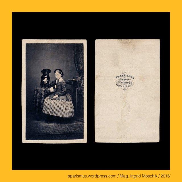 """Franz Segl, Franz Segl Salzburg, Franz Segl (1814 -1880 Salzburg) – Salzburger Dom-Musikus und Fotograf von circa 1856 bis in die 1870er, Dr. Timm Starl (*1939 Wien - ) - österreichischer Kulturwissenschaftler Fotohistoriker Ausstellungskurator FOTOGESCHICHTE-Gründer, E. Hüllverding, Ed. Hüllverding – Gmunden, Eduard Hüllverding - Gmunden Pfarrgasse No. 31, Eduard Hüllverding - Buch- und Kunsthandlung in Gmunden (1861 bis circa 1865), Eduard Hüllverding - Schwager von Ferdinand Meyer (um 1812 – 1885) - """"Prandel & Meyer"""" - Verlagsbuchhandlung mit Antiquariat und Sortiment in Wien I. Tuchlauben 522, E. Mänhardt, Emil Mänhardt Gmunden Ischl, Emil Mänhardt – Committent der Firma Moritz Perles, Emil Mänhardt - Buch und Kunsthandlung in Ischl und Gmunden von 1864 bis 1890er, Verlag Mänhardt - Gmunden 1920-30er, Salzburg – Anif, Salzburg – Anif – Gemeinde im Norden von Salzburg-Stadt rechts bzw. östlich der Salzach, Salzburg – Anif – Etymologie 1 (keltisch-illyrisch) *anapa """"Sumpfwasser"""" - *anos """"Sumpf"""" + *apa """"Wasser"""", Salzburg – Anif – (Etymologie) Anapa Anava Anniva Anaua Anua, Salzburg – Anif – Etymologie 2 (Besitz des) *Annavus, Salzburg – Anif – Etymologie 3 (ladinsich) *aneva """"Bergkiefer"""", Salzburg – Anif – (Wasser-)Schloss Anif (1520-1848 bis heute), Salzburg – Anif – Schloss Anif = Anif Palace = Zamek Anif, Salzburg – Mülln, Salzburg – Mülln – Stadtteil am nördlichen Ausläufer des Mönchsberges, Salzburg – Mülln = Mühlendorf = ad molendina """"bei den Mühlen"""" (790), Salzburg – Mülln – Müllner Kirche = Augustinerkirche (1148-1674 bis heute), Salzburg – Mülln – Stadtpfarrkirche unserer lieben Frau Mariae Himmelfahrt, #Salzburg, Salzburg-Land, Salzburg-Stadt, Salzburg – Salzburg-Stadt (um 715 bis heute) = (lateinisch Oppidum) Iuvavum = Juvavum (14 v. Chr. bis 7. Jh.), Salzburg – Elisabeth-Vorstadt (1901 bis heute) = Froschheim (Mittelalter bis 1901), Salzburg – Elisabeth-Vorstadt – Hauptbahnhof (1860 bis heute), Salzburg – Plainberg = Plain - Ortsteil der Flachgauer Geme"""