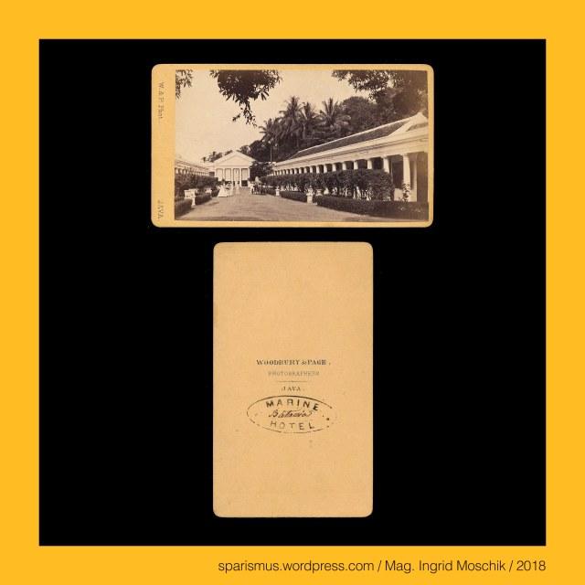 """Woodbury & Page Java (1857-1908), Woodbury & Page - """"W. & P. Phot. – JAVA."""", Woodbury & Page - """"WOODBURY & PAGE – PHOTOGRAPHERS - JAVA."""", Walter Bentley Woodbury (1834-1885), Walter Bentley Woodbury (1834 Manchester England – 1885 Margate England) – English photographer and inventor in Australia Java Sumatra Borneo London, Henry James Woodbury (1836-1873) – younger brother of Walter Bentley Woodbury, Albert Woodbury (1840-1900) - younger brother of Walter Bentley Woodbury, James Page (1833-1865), Woodbury = Woodborough = Woodboro = Woodburg = Woodburgh, Woodbury = Woodborough – """"fortified place in a wood"""" – Old English widu wudu """" wood forest"""" + OE burh """"fort fortified place Burg -bury"""", Woodbury – Woodborough – Etymology PIE *widu- """"wood Wald forest"""" + PIE *bhergh- """"fortified elevation place fort Burg bury castle city town"""", Page - (Italian) Paggie – (Latin) Pagius """"a boy attending the king – Edelknabe - Schildknappe"""" – Greek παιδιον (paidion) """"kleiner Junge Knabe"""", Batavia - Molenvliet West = Jalan Gajah Mada - """"MARINE - HOTEL"""" (1830s – 1890), Batavia - Molenvliet West = Jalan Gajah Mada - """"MARINE - Batavia - HOTEL"""" (1868), Java = Jawa = Djawa – auf 126.700 qkm leben circa 130 Millionen Menschen, Java = Jawa = Djawa – Javadvipa - Etymology 1 Sanskrit java-dvipa """"island of barley"""", Java = Jawa = Djawa - Etymology 2 jawa-wut """"foxtail millet or Kolbenhirse"""", Java = Jawa = Djawa - Etymology 3 jau """"distant or beyond"""", Java = Jawa = Djawa – Etymology 4 Proto-Austronesian jawa """"home"""", Batavia = Jakarta – seit 1945 Hauptstadt Indonesiens, Batavia = Jakarta – 1799 bis 1945 Hauptstadt von Niederländisch-Indien , Batavia = Jakarta – 1619 bis 1799 Hauptquartier der Niederländischen Ostindien-Kompanie in Asien, Batavia = Jakarta – seit 1945 Hauptstadt Indonesiens - 1799 bis 1945 Hauptstadt von Niederländisch-Indien - 1619 bis 1799 Hauptquartier der Niederländischen Ostindien-Kompanie in Asien, Batavia – Betawe – Betavi . Etymology 1 Proto-Germanic Batawjo """"good island"""" - PIE *"""